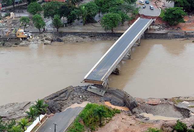 Palmares_bridge_destroyed.jpg