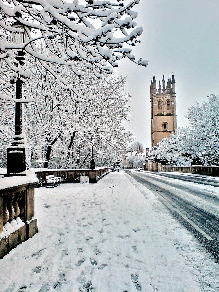 Snow_Magdalen_Bridge.jpg